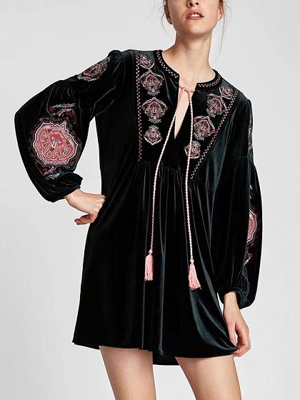 Dark Green Velvet Tassel Tie Embroidery Long Sleeve Dress