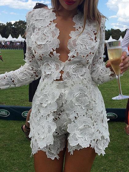 Weiß V-Ausschnitt Long Sleeve Chic Frauen Spitze Top und hohe Taille Shorts